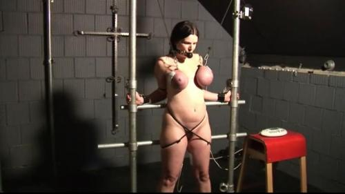 Tit Slave Sabrina in the Dungeon (TX256). Aug 10 2016. Toaxxx.com (221 Mb)