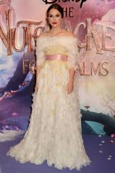 keira-knightley-at-the-nutcracker-and-the-four-realms-premiere-in-london-11-01-2.jpg