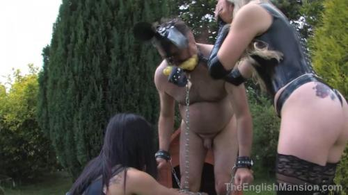 Kept As A Dog – Miss Annalisa And Princess Neive. TheEnglishMansion.com (256 Mb)