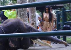 kim-kardashian-on-vacation-in-bali-102718-3.jpg