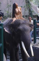 kim-kardashian-on-vacation-in-bali-102718-11.jpg