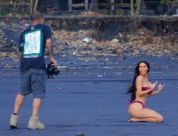 kim-kardashian-bikini-candids-in-bali-102518-5.jpg