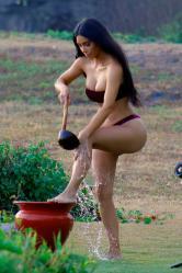 kim-kardashian-bikini-candids-in-bali-102518-6.jpg