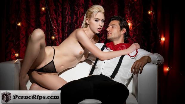 twistyshard-18-11-07-chloe-couture-squirt-show.jpg