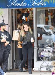 Miley Cyrus - Shopping in Studio City 10/13/18