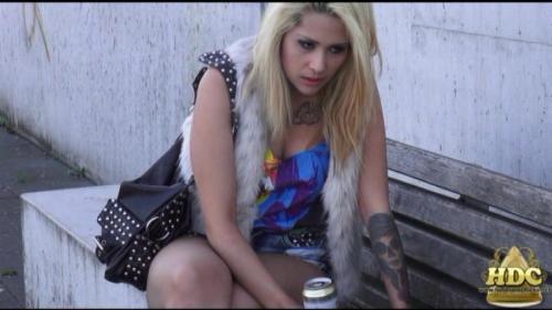 Drunk Girl – Sienna Lane. HotDrinkingChicks.com (2711 Mb)