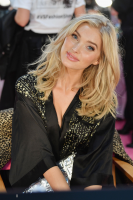 elsa-hosk-2018-victorias-secret-fashion-show-in-nyc-11818-1.png
