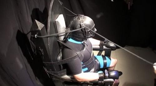 Strapped In (R847). Aug 25 2018. Seriousmalebondage.com (393 Mb)