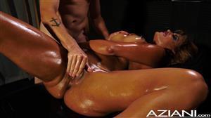 aziani-18-11-09-mercedes-carrera-enjoys-her-massage-and-happy-ending.jpg