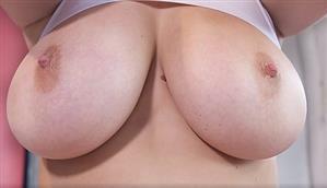 nothingbutcurves-18-11-10-lucy-vixen-boobylicious.jpg