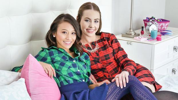 daughterswap-18-11-13-naomi-blue-thanksgiving-day-pussy-parade.jpg