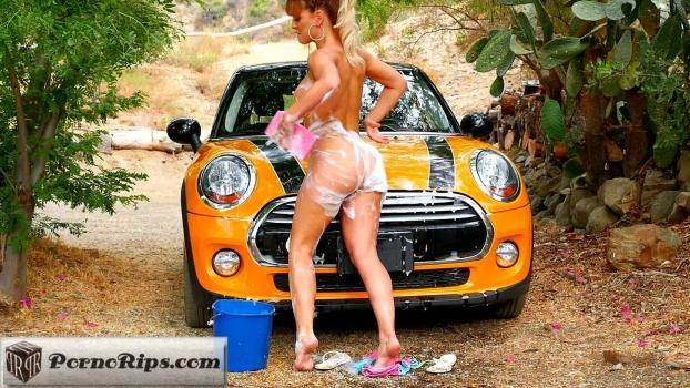 hollyrandall-18-11-15-cherie-deville-bikini-car-wash.jpg