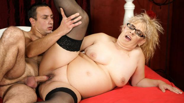 lustygrandmas-17-12-28-viola-jones-naughty-grannys-sexual-pleasures.jpg
