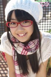 88605671_loli-su-80418-momo_shiina-idol-imouto_tv-photo-black_hair-long_hair-smile-clos.jpg