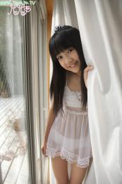 88605708_loli-su-93013-momo_shiina-photo-idol-imouto_tv-black_hair-long_hair-see_throug.jpg
