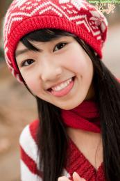 88605750_loli-su-122986-photo-idol-loli-imouto_tv-momo_shiina-outdoors.jpg