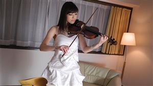 japanhdv-18-11-16-yuria-tominaga.jpg