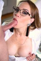Paola-Guerra-Hands-On-Sex-Toy-Agent-76s84dmwkv.jpg