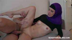 sexwithmuslims-18-11-23-espoir-czech.jpg