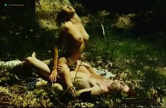 Castel  nackt Marie-Pierre Brookelyn naked