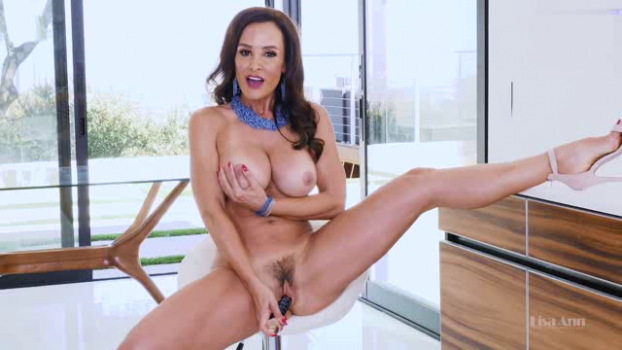 thelisaann-18-10-24-sexy-kitchen-video.png