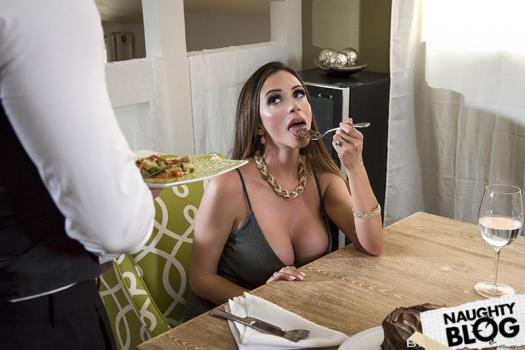 Milfs Like It Big - Ariella Ferrera