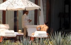 Emma Watson - bikini Cabo San Lucas, Mexico 10.13.2018 86903413_emmawatson-cabosanlucas101318_tcc-24