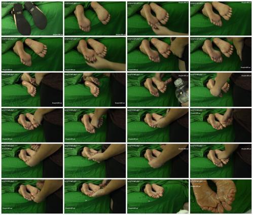 farmgirl-s-feet-get-my-seed-sticky-soles_scrlist.jpg
